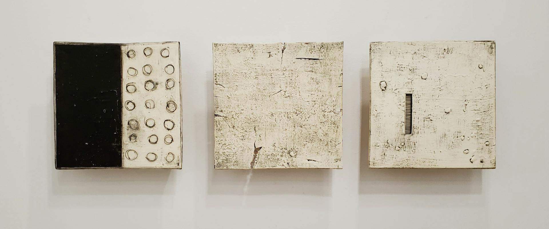Three with Wire/Black